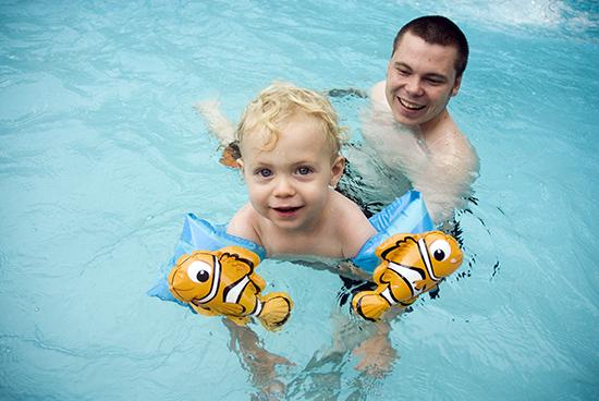 Em_Swimming