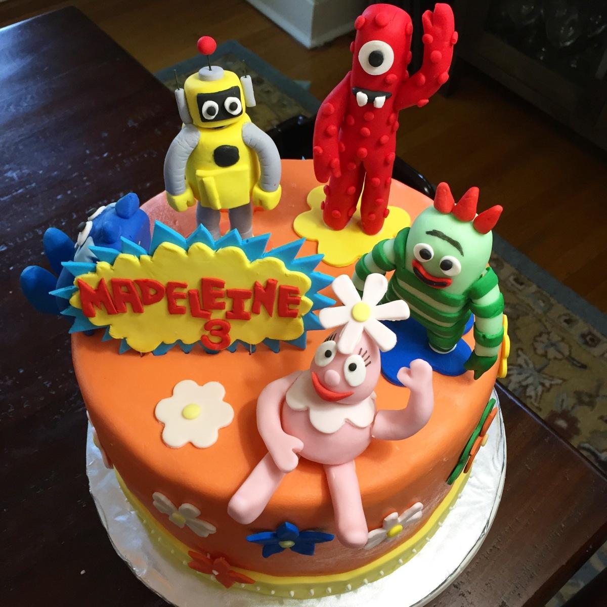 Brilliant Yo Gabba Gabba Birthday Cake Mihow Funny Birthday Cards Online Elaedamsfinfo